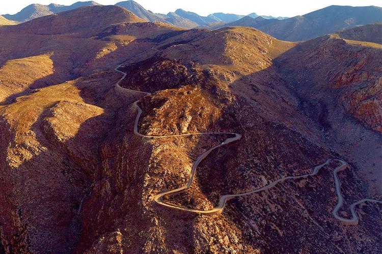 Swartberg: Mountain Pass