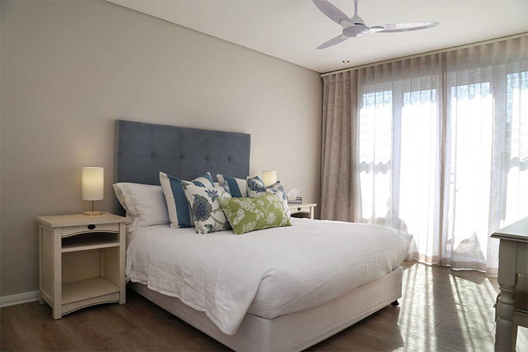 157 Sixth Street Bedroom Hermanus Accommodation