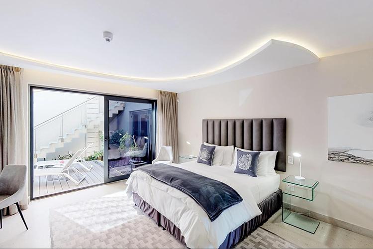7 on Marine Bedroom Hermanus Accommodation