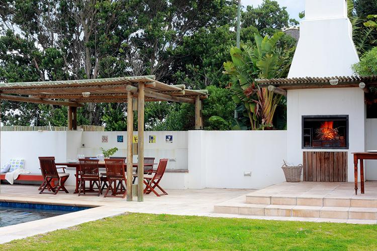 La Gratitude Villa Garden Hermanus Accommodation