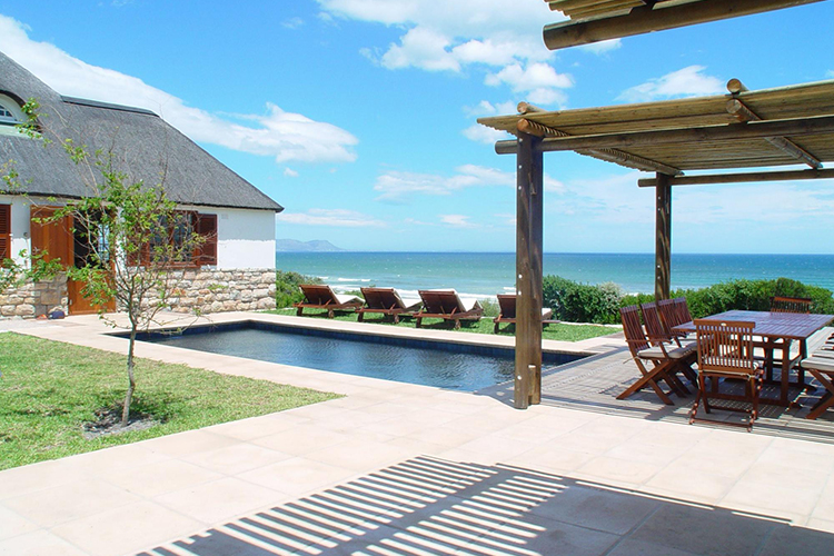La Gratitude Villa Pool Hermanus Accommodation