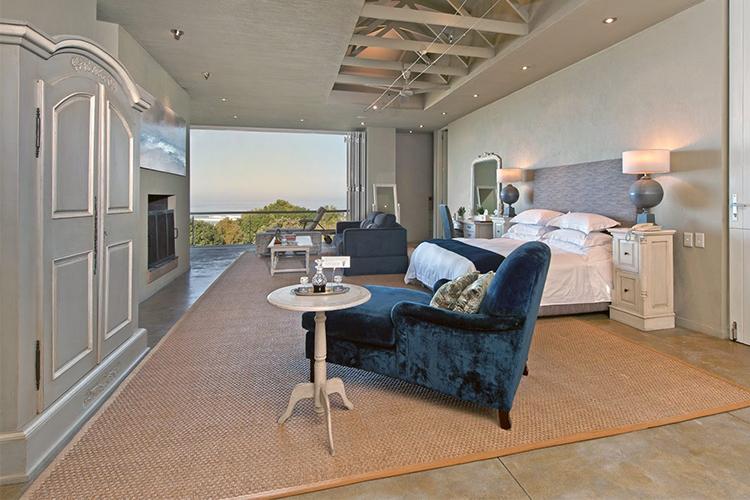 Mosselberg on Grotto Beach Bedroom Hermanus Accommodation