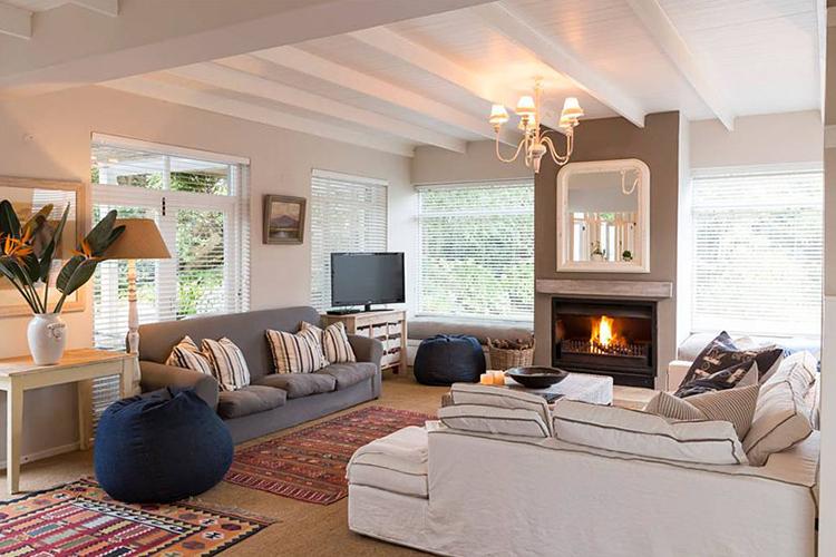 Protea House Lounge Hermanus Accommodation