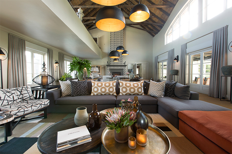 The Thatch House Lounge Hermanus Accommodation