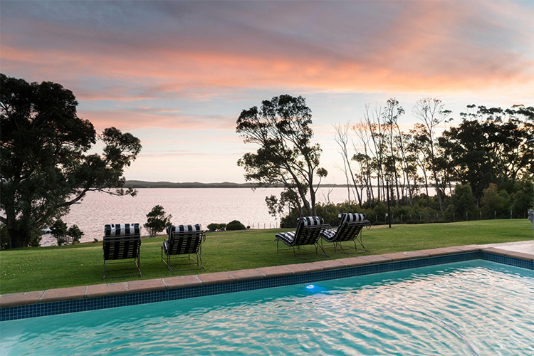 The Thatch House Pool Hermanus Accommodation