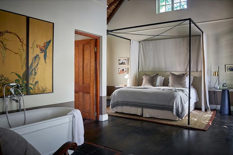 La Clé Lodge Garden Room Bedroom