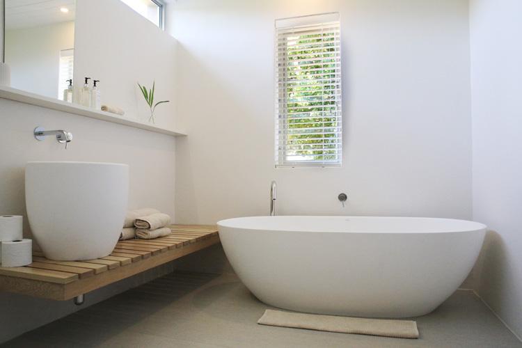 La Chataigne Chestnut Cottage Bathroom