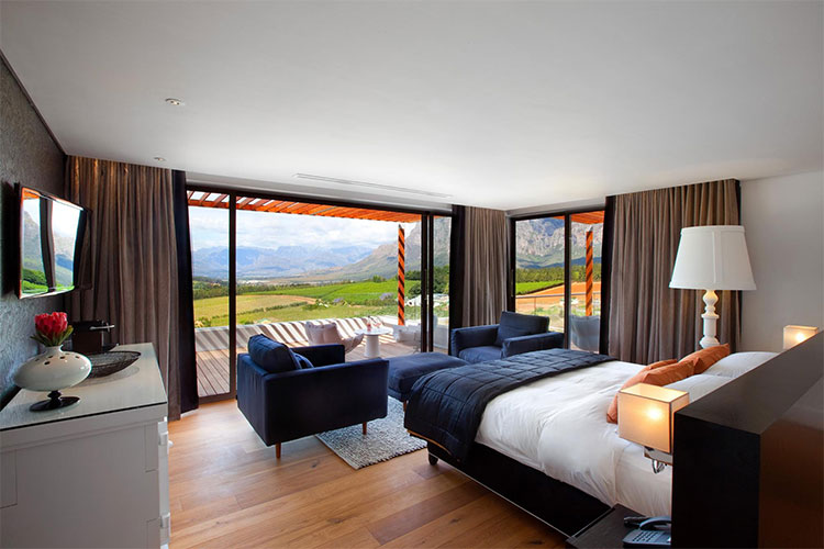 Clouds Estate Room Winelands Accommodation