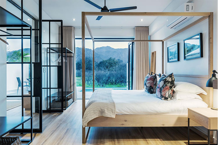 La Chataigne Room Winelands Accommodation