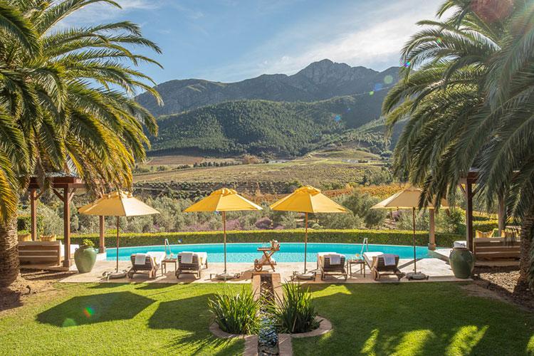 La Residence Pool Winelands Accommodation
