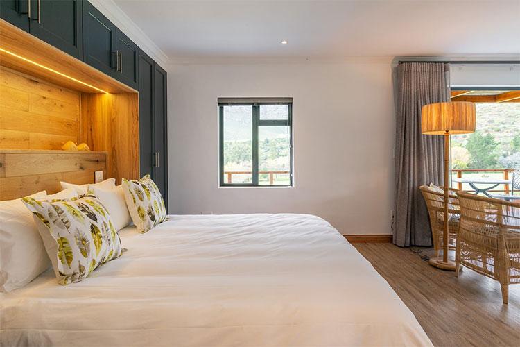 Mont Angelis Room Winelands Accommodation
