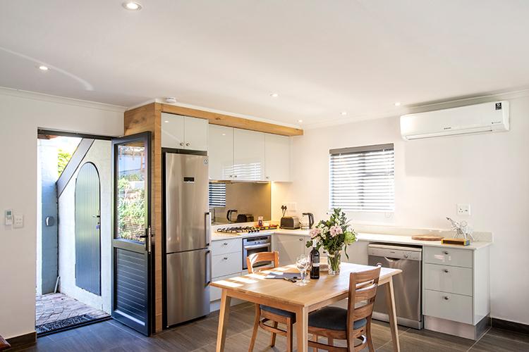 Mont Angelis Muriel Cottage Kitchen