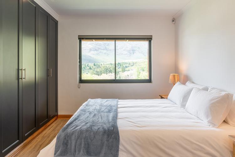 Mont Angelis Tagas Cottage Bedroom