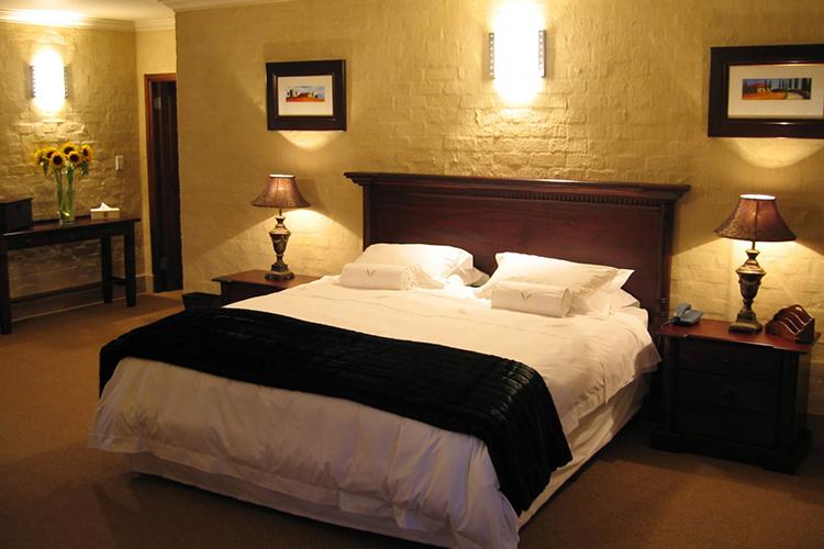 Auberge Provence Bedroom Hermanus Accommodation