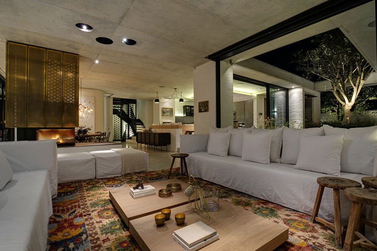 Restio River House Lounge
