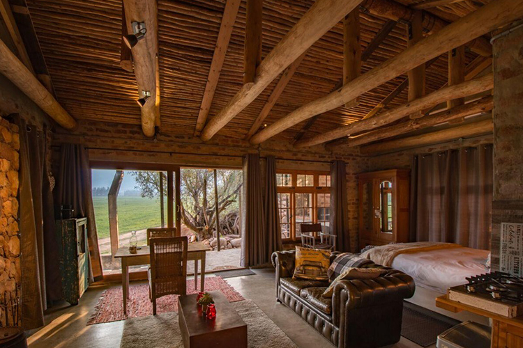 Weekend Getaways Cape Town: Bergsicht Country Farm Cottages Bedroom