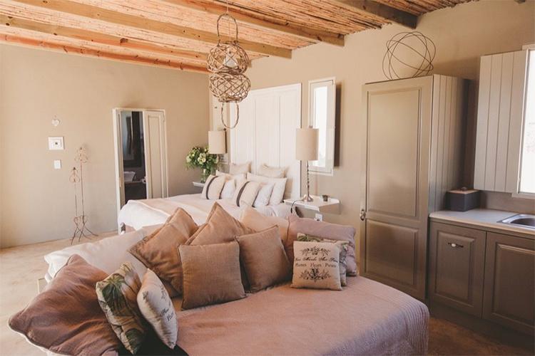 Weekend Getaways Cape Town: Gelukkie Cottage Interior