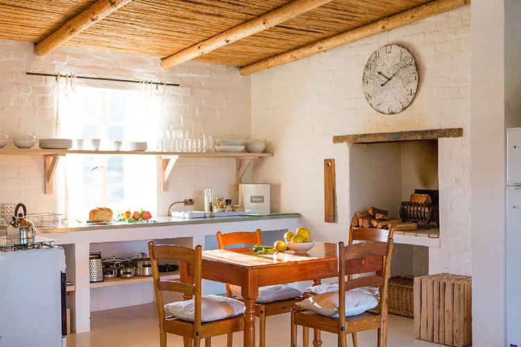 Weekend Getaways Cape Town: Klein Nektar Farm Cottage Kitchen