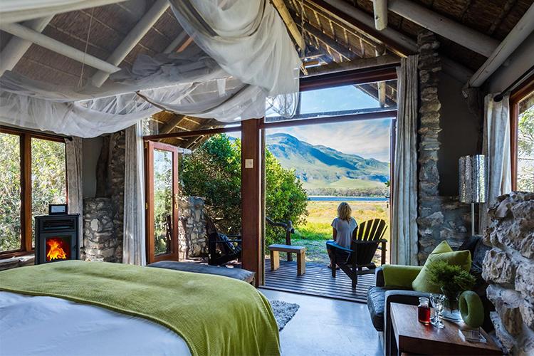 Weekend Getaways Cape Town: Mosaic Lagoon Lodge Suite