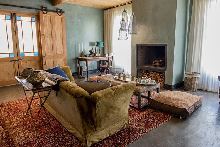 Weekend Getaways Cape Town: Nibbana Farm Lounge