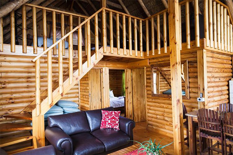 Weekend Getaways Cape Town: Platbos Log Cabins at Slanghoek Mountain Resort Interior