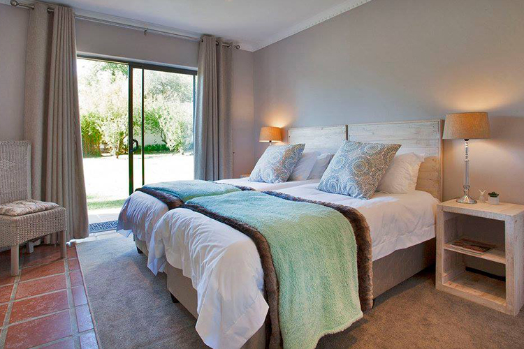 Weekend Getaways Cape Town: Rest at Chabivin Country Cottage Bedroom