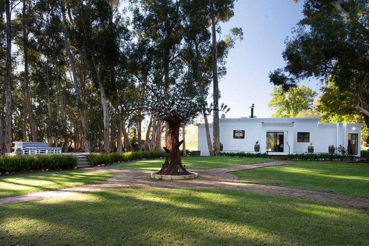 Weekend Getaways Cape Town: Rest at Chabivin Country Cottag