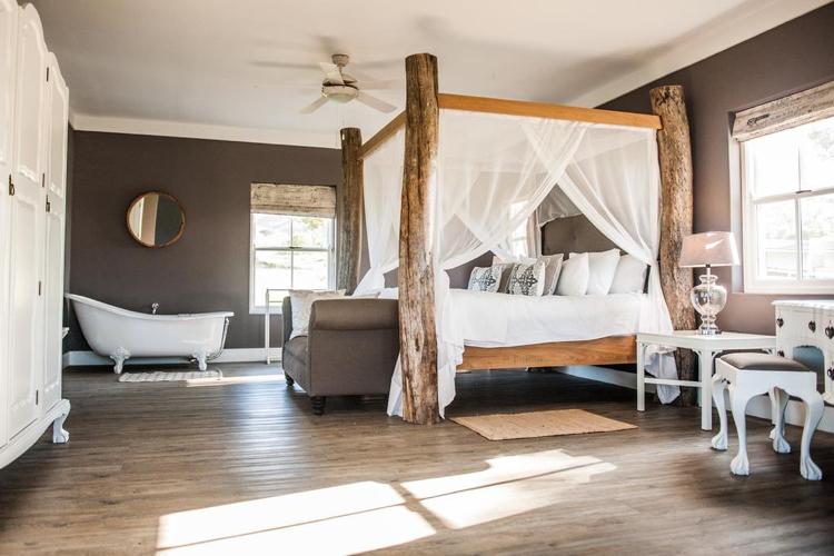 Weekend Getaways Cape Town: White Water Farm Bedroom