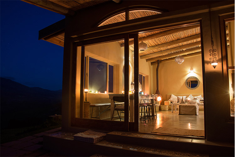 Secluded Getaways in The Cape: Akasha Mountain Retreat Living Area