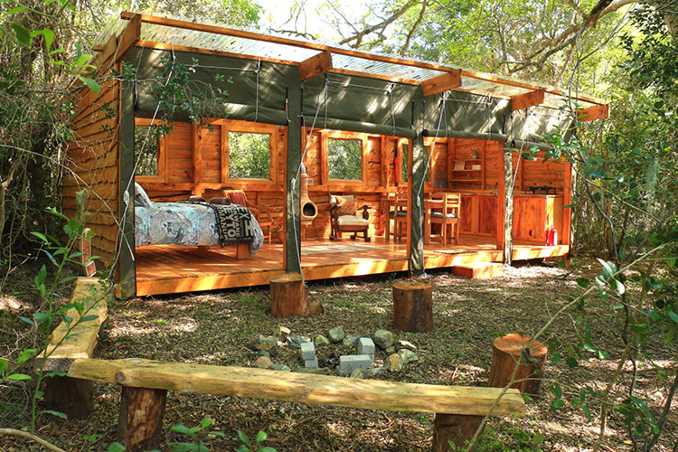 Secluded Getaways in The Cape: Bushbuck Suite at Platbos Forest