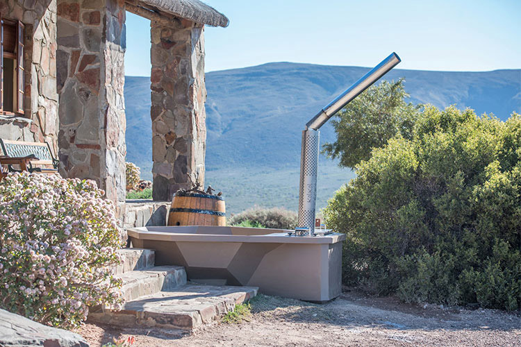 Secluded Getaways in The Cape: Fossil Hills Hot Tub