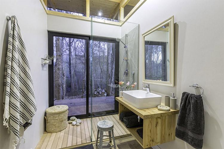 Secluded Getaways in The Cape: Sondagskloof Bathroom