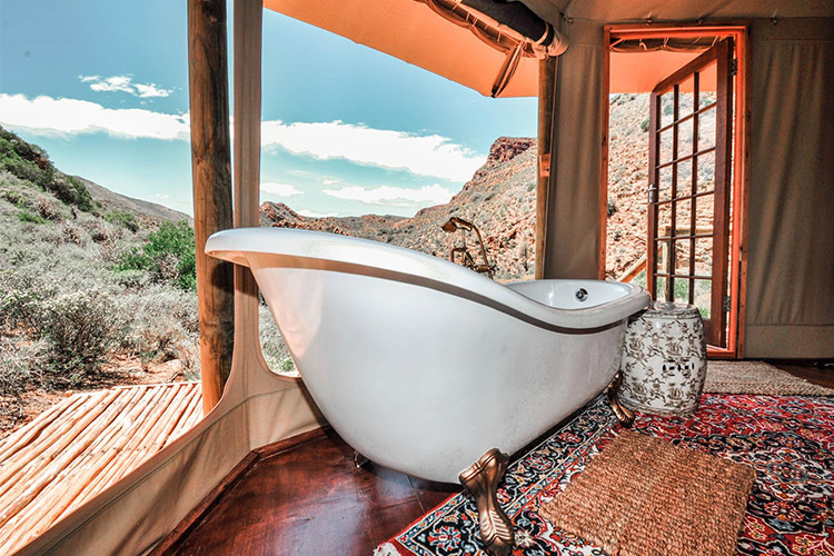 Secluded Getaways in The Cape: Wolwehoek Private Nature Reserve Bath