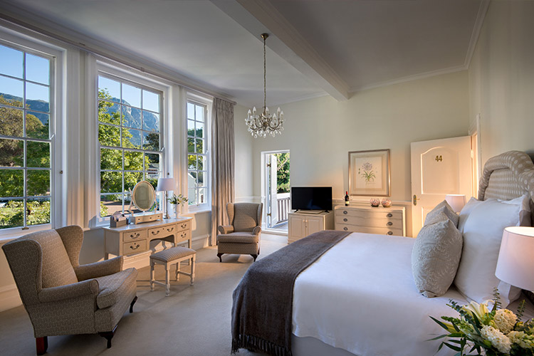 Best Cape Town Hotels: The Cellars Hohenort Bedroom