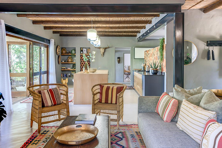 Pet-Friendly Getaways Western Cape: Greyton Getaway Lounge