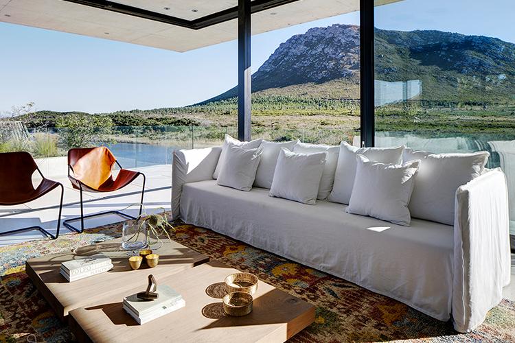 Pet-Friendly Getaways Western Cape: Restio River House Lounge