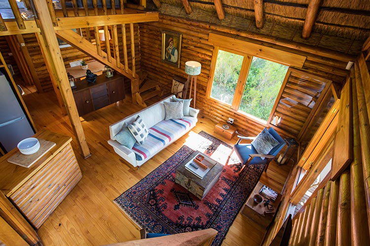 Pet-Friendly Getaways Western Cape: Tulbagh Mountain Cabin Lounge